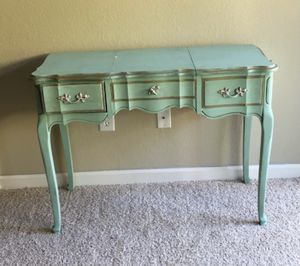 Antique vanity table with mirror for Sale in Aptos, CA