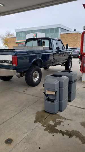 1995 ford f250 diesel buenas condiciones 270mil millas for Sale in Round Lake Beach, IL