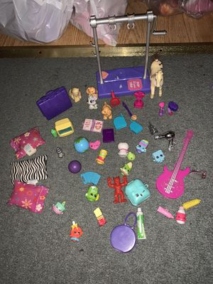 Toy Barbie doll house 30 plus mix match accessories, pretend play pets, music, shopkins, school, gymnastic, vacation set for Sale in Columbus, OH