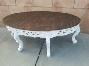 Coffe table for Sale in Moreno Valley, CA