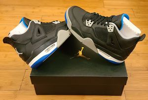Jordan Retro 4's size 4y youths. for Sale in Paramount, CA