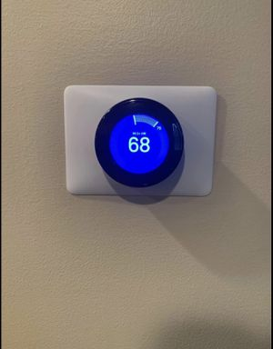 Neat Thermostat and 4 room sensors for Sale in Canal Winchester, OH