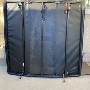 """5"""" X 5"""" Truck Bed Cover for Sale in Los Angeles, CA"""