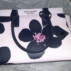 Kate Spade pink floral purse new with tags for Sale in Phoenix, AZ
