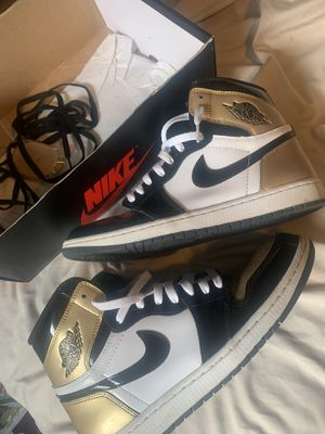 Jordan gold toe 1s sz 10.5 (8/10) for Sale in New Albany, OH