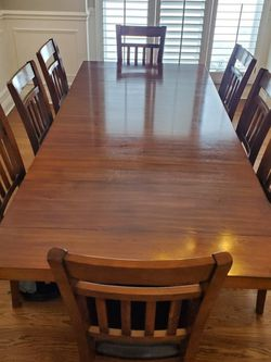 9 pcs Extendable Solid Wood Dining Set for Sale in Naperville,  IL