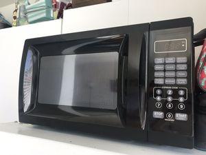 Black Microwave for Sale in Alexandria, VA