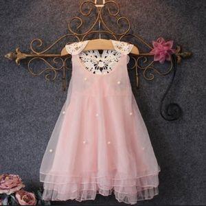 Pink lace dress 3t 4t for Sale in Hialeah, FL