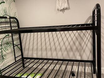 Metal Bunk bed for Sale in Houston,  TX