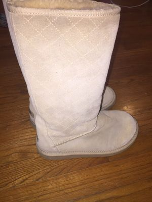Uggs size 7 for Sale in Alexandria, VA