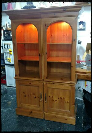 Two Hooker Furniture Pine Bookcases / Hooker Pine Storage Units for Sale in Nashua, NH