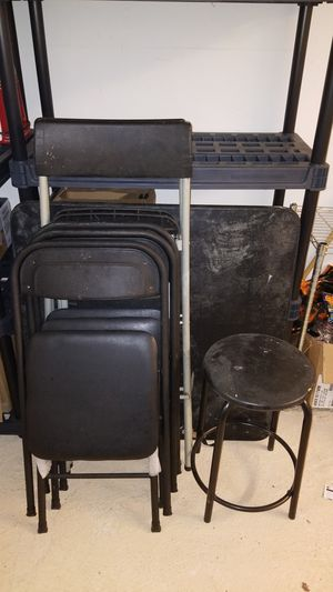 4 chairs/2high top charis w/table n extra for Sale in Atlanta, GA