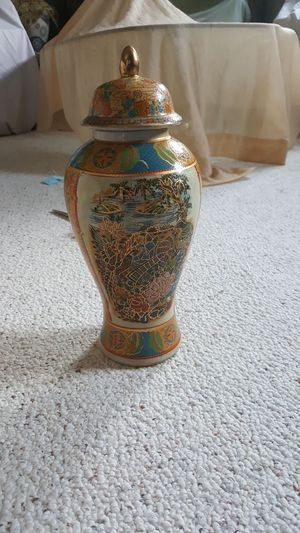 Ceramic vase, chinese sryle for Sale in Harrisonburg, VA