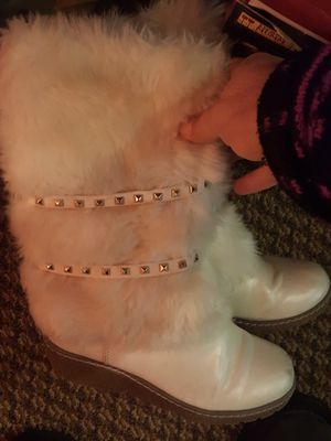 Little girls cute white boots for Sale in Arlington, WA