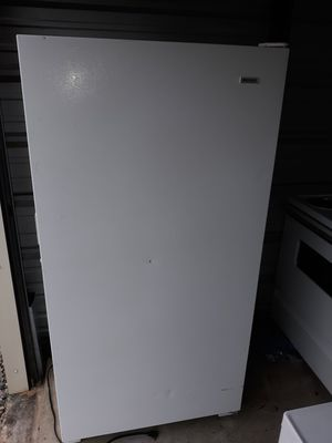 Fridgdare upright freezer for Sale in West Columbia, SC