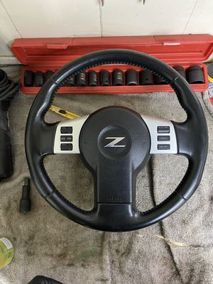 2006 Nissan 350z OEM steering wheel for sale for Sale in Chicago, IL