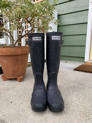 Hunter boots matte black size 6.5 for Sale in Kenmore, WA