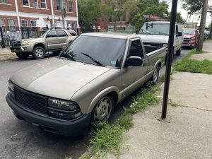 1998 Chevy S10 185,000 mi. drives like new- AC/ heat /new tune up / for Sale in New York, NY