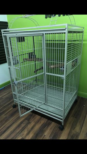 Large macaw bird cage like new for Sale in Miramar, FL