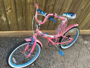 Pink Girls bike with splash guards on wheels for Sale in Houston, TX