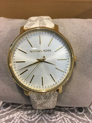 New Authentic Michael Kors Watch for Sale in Bellflower, CA