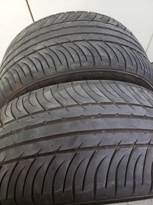 Kumho Tires 255-40-17 for Sale in Fresno, CA