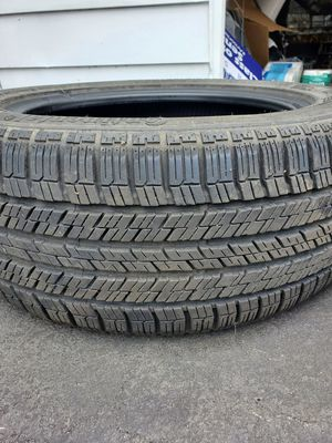 205 55 16 2 tire like new 3 tire with rims for bmw325xi for Sale in East Haven, CT