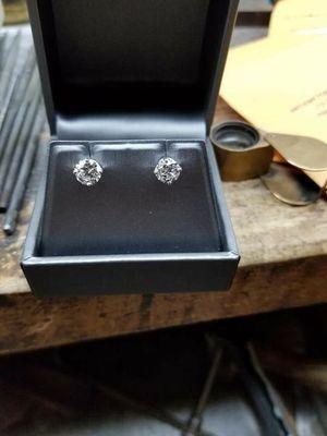 Stunning 14kt. White Gold Diamond Earrings for Sale in Philadelphia, PA