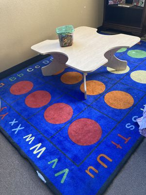 Table chairs and rug for kids for Sale in Las Vegas, NV