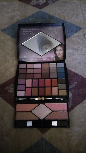 MAKEUP KIT for Sale in Federal Way, WA