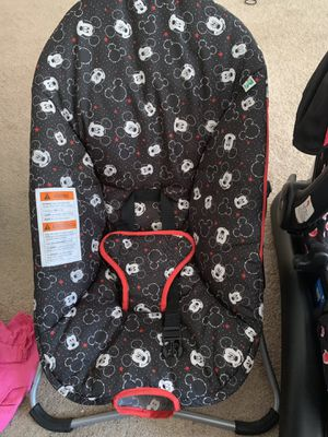 Baby car seat and bouncer for Sale in Waipahu, HI