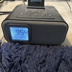 iHome iBT22 Bluetooth Alarm Clock for Sale in Campbell, CA