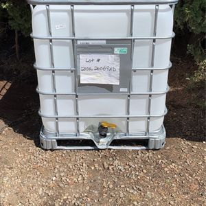 IBC WATER/FOOD GRADE TOTES for Sale in Salem, OR