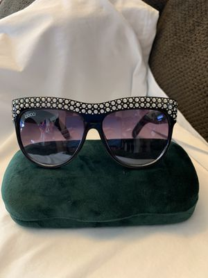 PURPLE AND BLACK SHADE GUCCI SUNGLASSES for Sale in Phoenix, AZ