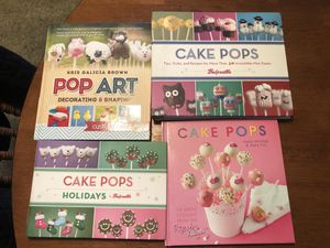 Cake pop books excellent condition for Sale in Whittier, CA