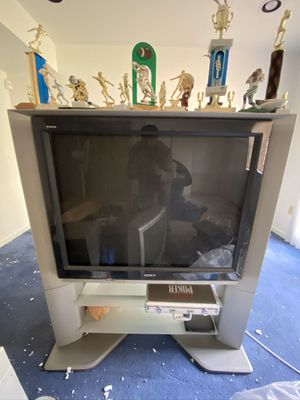 SONY FLAT SCREEN KV-40XBR800 WITH STAND GREAT CONDITION! for Sale in Brandywine, MD