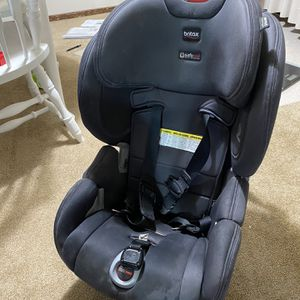 BriBRITAX Boulevard™ ClickTight Cool N Dry Collection Convertible Car Seat in Charcoal for Sale in Seattle, WA