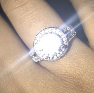 Daimond ring for Sale in Ashley, OH