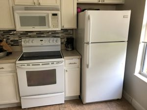 fridge, kitchen and microwave appliances for Sale in Kissimmee, FL