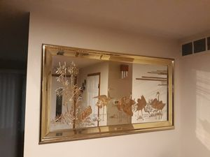 VERY NICE BEAUTIFUL FRAME MIRROR FOR SALE for Sale in Bellevue, WA