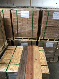 VINYL GLUE DOWN FLOORING LUXURY WATER PROOF VQ for Sale in Houston,  TX