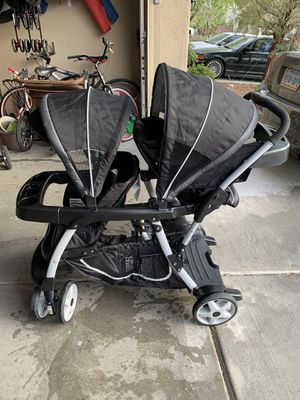Graco Ready 2 Grow Sit and Stand Double Stroller for Sale in Las Vegas, NV