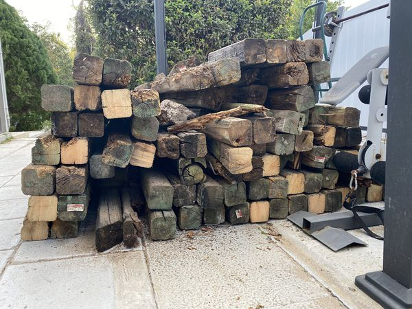Free Wood 4x4x8 About 100 Pieces For Sale In Orlando Fl