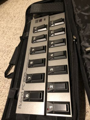 Roland FC-200 MIDI Foot Controller w/ Case and 2 MIDI Cables for Sale in OH, US