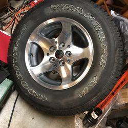 New jeep grand Cherokee wheel and tire for Sale in Covington,  WA