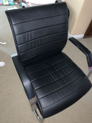 One black s and chrome office chair for Sale in Chula Vista, CA