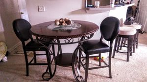 dining room table and chairs for Sale in Austell, GA