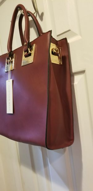 Madison west bag burgandy for Sale in Dumfries, VA