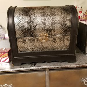 Silver and black deep treasure chest for Sale in Powder Springs, GA