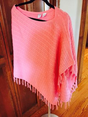 Cashmere pink poncho for Sale in Lake Zurich, IL